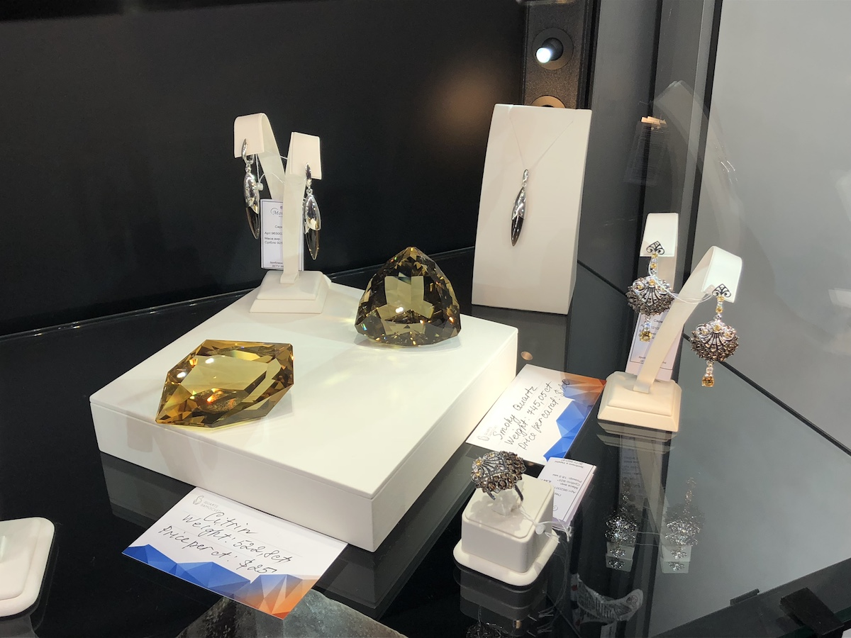 Quarts Samocveti has exhibited its products at the Pueblo Gem and Mineral Show